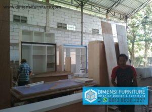 Jasa Pembuatan Furniture Depok Mengerjakan Jasa Kitchen Set, Bedset, Lemari Pakaian, Kabinet TV untuk Wilayah Depok, Bogor, Tangerang, Jakarta Dan Bekasi.